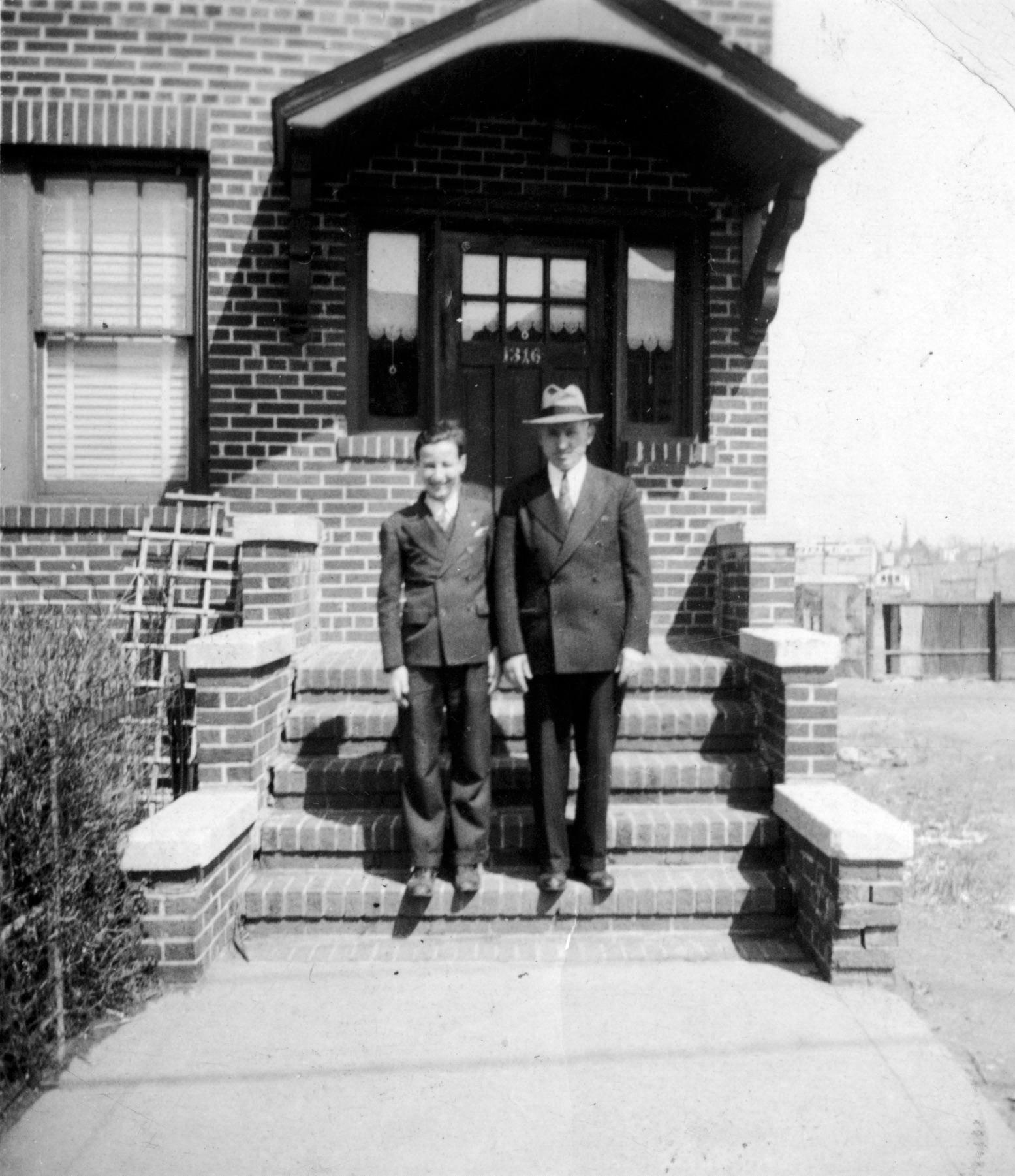 Ron Cohen and dad Louis Bronx 1940-adj